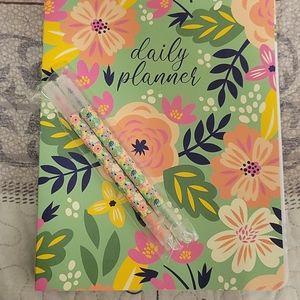 NWOT SM&Co Floral Planner